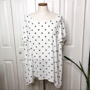 Torrid flutter sleeve blouse, chevrons, size 4